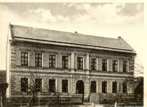 836,pohlednice -škola,kostel,náves (5)obrazek galerie - 45 z 52